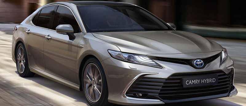 El Camry Híbrido de Toyota llegará a Argentina sólo por pedido